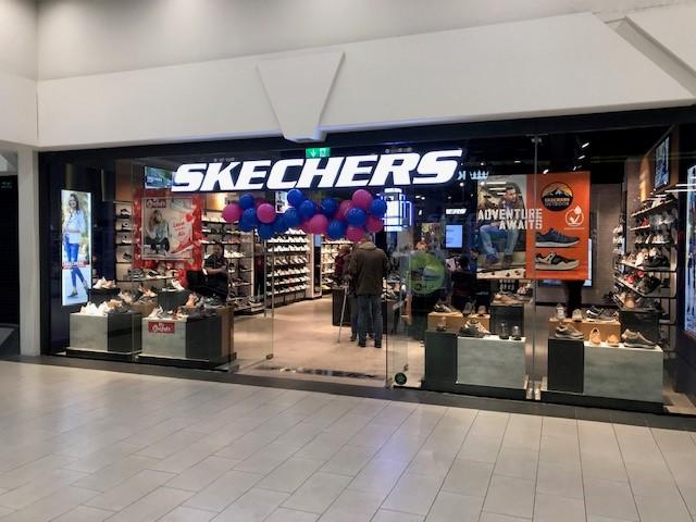 skechers store hours